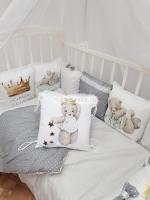 """Набор в кроватку из подушечек """"Маленький принц в сером"""""""